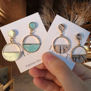 15336 284313 300x300 - Charm Hollow Geometric Pendant Earrings