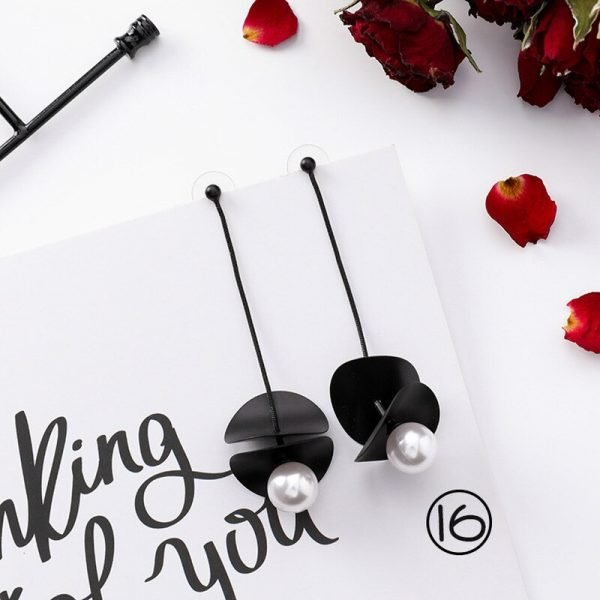 15415 b0d337 600x600 - Girl Earrings Black Geometry Drop Earrings