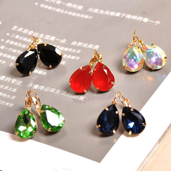23964 1540e6 600x600 - The new fashion gorgeous women's jewelry wholesale girls birthday party red and white black blue-green beautiful earring earring