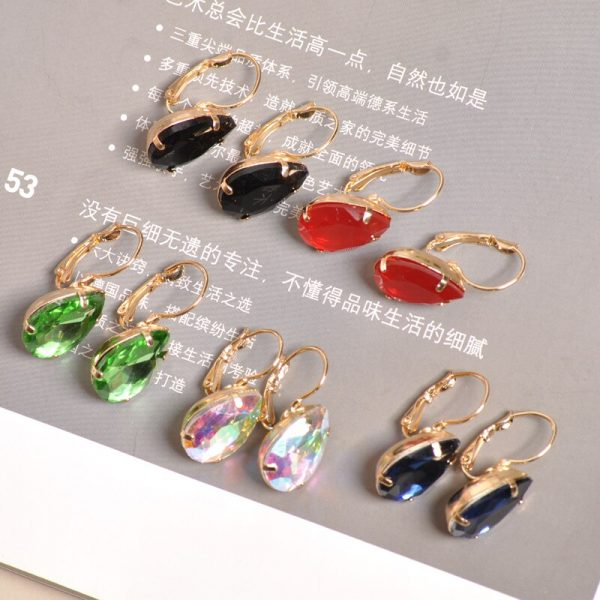 23964 3a073a 600x600 - The new fashion gorgeous women's jewelry wholesale girls birthday party red and white black blue-green beautiful earring earring