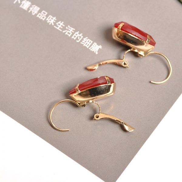 23964 8fab56 600x600 - The new fashion gorgeous women's jewelry wholesale girls birthday party red and white black blue-green beautiful earring earring