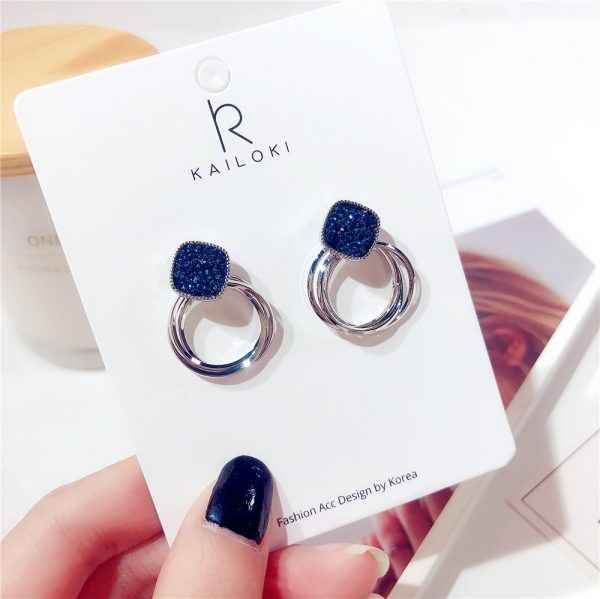 24969 cf1136 600x599 - 2018 New Fashion Zinc Alloy Classic Round Women Dangle Earrings Korean Deep Blue Crystal Circle Jewelry For Female