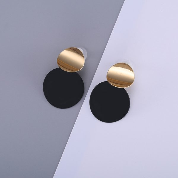 26866 1780ee 600x600 - Unique Black Stud Earrings Trendy Gold Color Round Metal Statement Earrings for Women New Arrival wing yuk tak Fashion Jewelry