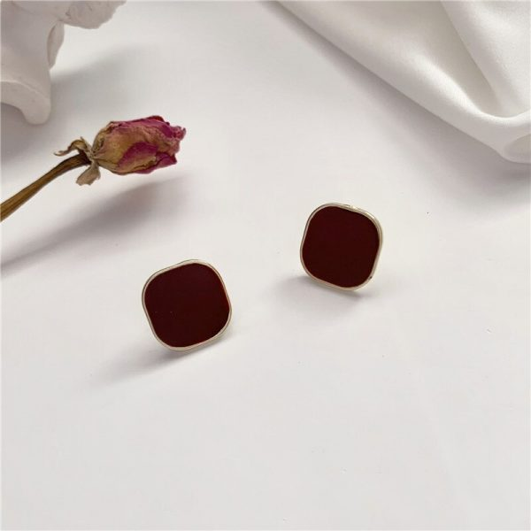 28917 788ec1 600x600 - Contracted wine red square earrings, senior fashion temperament to feel commuter geometric stud earrings jewelry accessories
