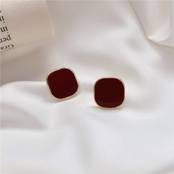 28917 7b9ccb 600x600 - Contracted wine red square earrings, senior fashion temperament to feel commuter geometric stud earrings jewelry accessories