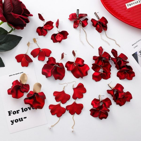 28931 57c35f 600x600 - Korea Style Cute Exaggeration Red Rose Flower Tassel Sexy Long Acrylic Bride Drop Earrings for Women Fashion Jewelry Accessories
