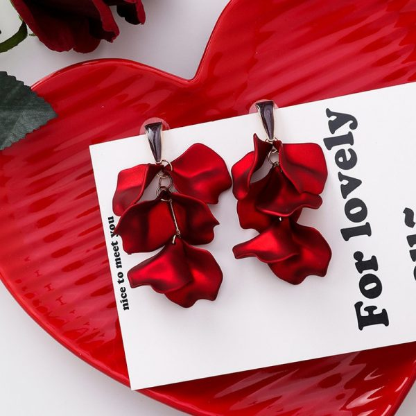 28931 a8e724 600x600 - Korea Style Cute Exaggeration Red Rose Flower Tassel Sexy Long Acrylic Bride Drop Earrings for Women Fashion Jewelry Accessories